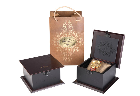 <h2>Titan Heritage watch packaging</h2>